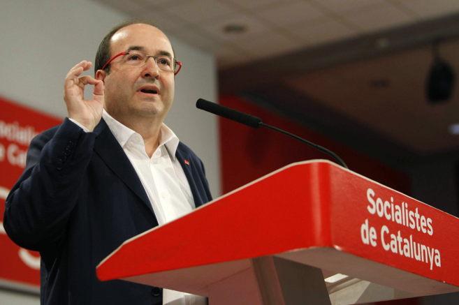 Miquel Iceta se dirige a los miembros de la dirección del partido en...