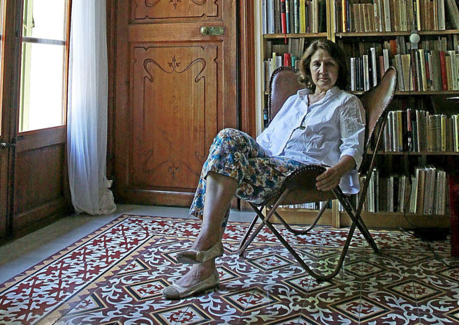 La filóloga Mariantònia Lladó posando para la entrevista para este...