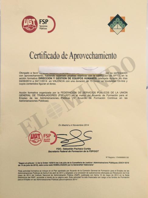 El diploma que recibió una de las limpiadoras de Valencia. EL MUNDO