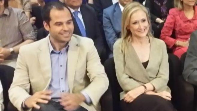 Ignacio Aguado, líder de Ciudadanos, junto a Cristina Cifuentes,...