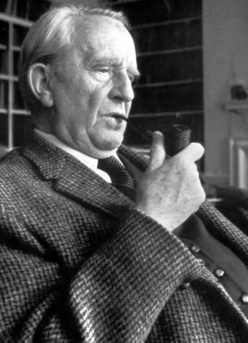 El escritor, poeta y filólogo J.R.R. Tolkien