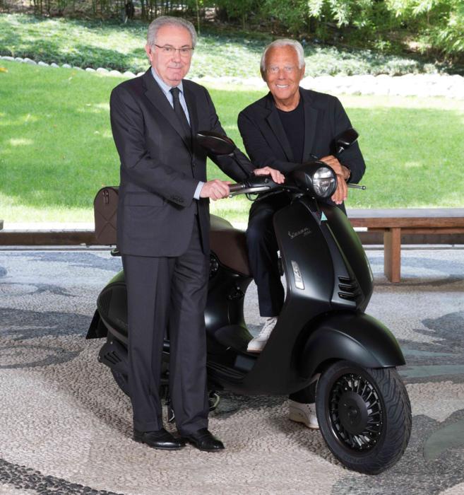 7c0b7c2ff19 Armani y Vespa diseñan la scooter más 'estilosa' | Motor | EL MUNDO