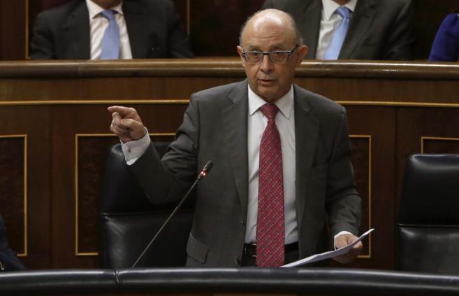 El ministro de Hacienda, Cristóbal Montoro, en el Congreso.