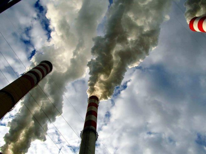 La carta pide combatir el cambio climático y construir una economía...