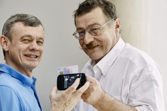 La tecnología NFC, de Franz Amtmann y Philippe Maugars, los convierte...