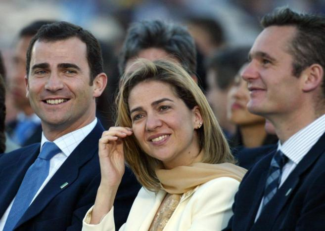 El Rey Felipe, su hermana la Infanta Cristina y su marido, Iñaki...