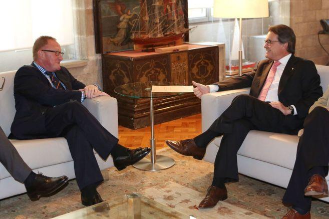 Richard Hills y Artur Mas, en el Palacio de la Generalitat.