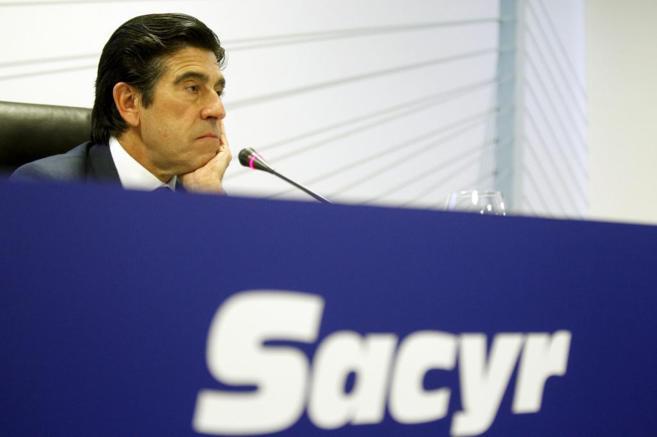 El presidente de Sacyr, Manuel Manrique, durante una rueda de prensa.