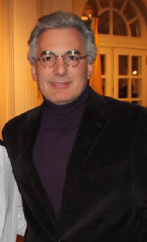 Álvaro Vargas Llosa, primer hijo