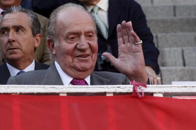 Don Juan Carlos, preside la corrida de la Prensa durante la Feria de...