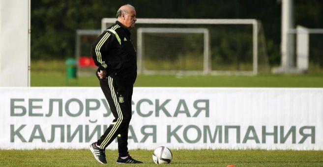 Del Bosque, durante el último entrenamiento de España en Minsk.
