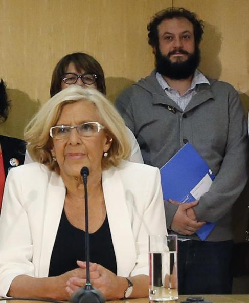 Carmena y Zapata en la rueda de prensa ofrecida tras la primera Junta...
