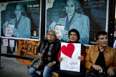 Mujeres en la protesta de Buenos Aires contra la violencia de género.