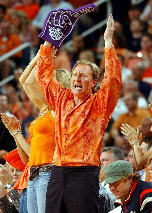 Robert Sarver, en un partido de los Suns, club del que es propietario.