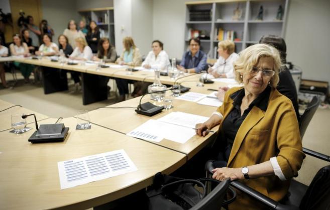 La alcaldesa de Madrid, Manuela Carmena, en la rueda de prensa de este...