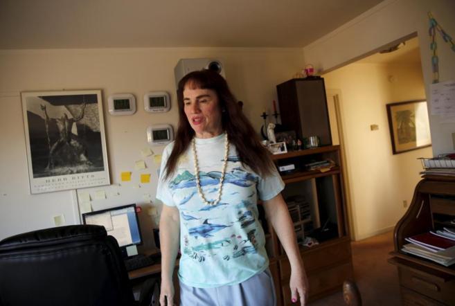 La conductora de Uber Barbara Ann Berwick en su casa de California
