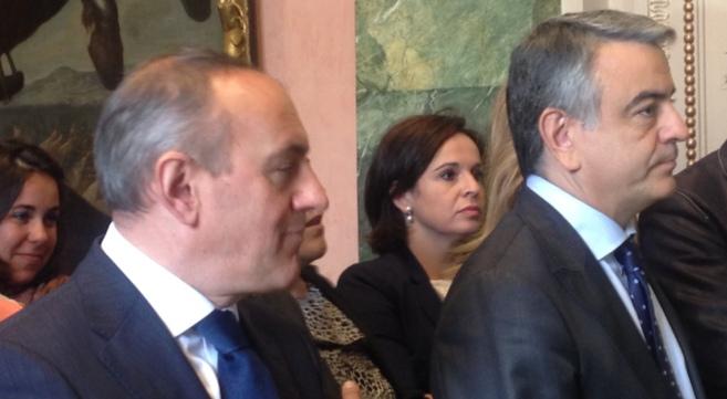 El ex diputado general de Álava, Javier de Andrés, con gesto serio,...