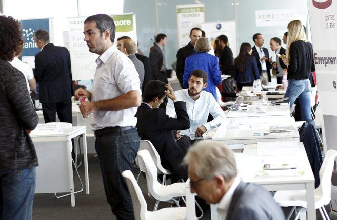 Una reunión de emprendedores e inversores.