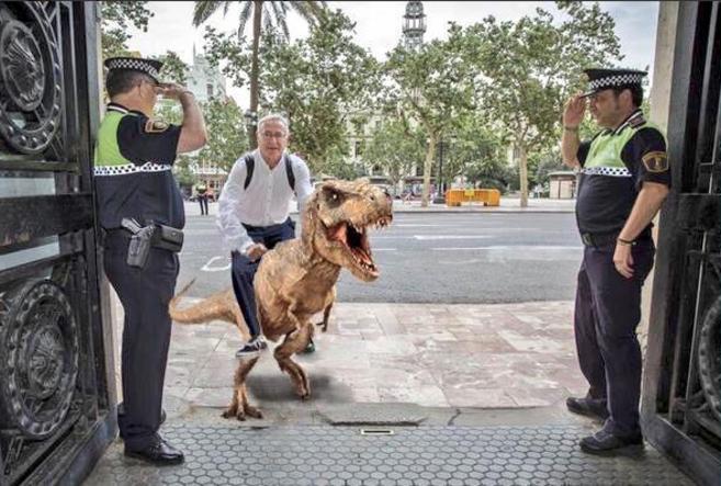 Uno de los memes sobre la llegada de Joan Ribó que circulan por redes...
