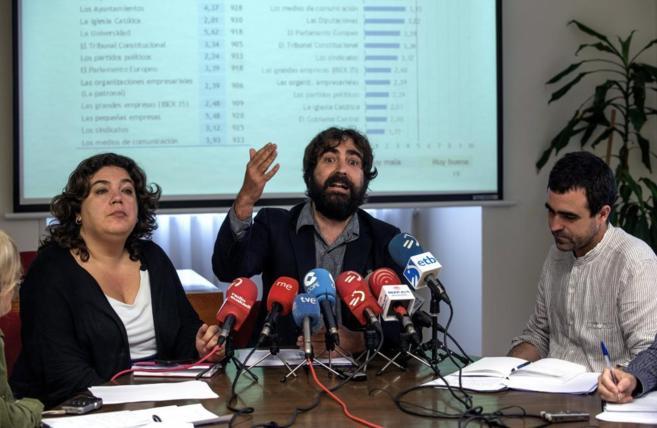 María Silvestre, Braulio Gómez y Xabier Lanbidea.
