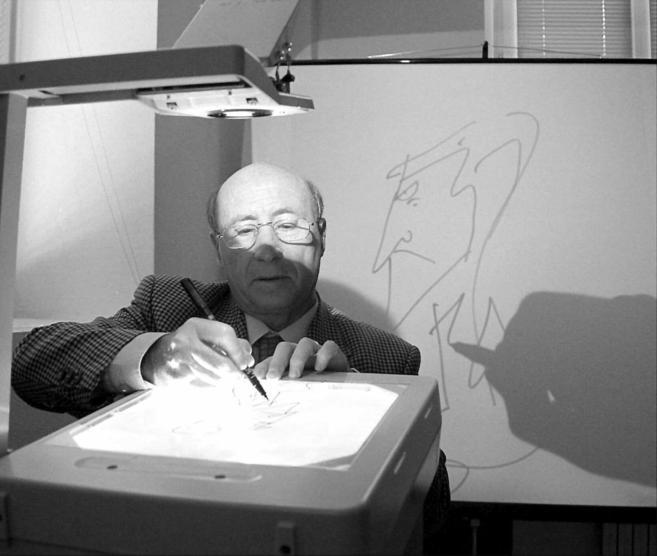El dibujante Jose María Pérez 'Peridis' con una de sus...