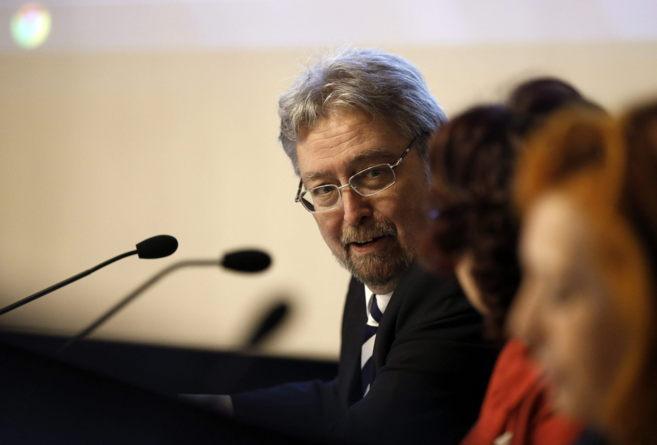 El ararteko, Manu Lezertua, durante la inauguración del Curso de...