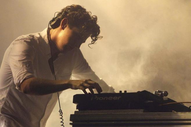 El productor británico Jamie XX durante su actuación en la segunda...