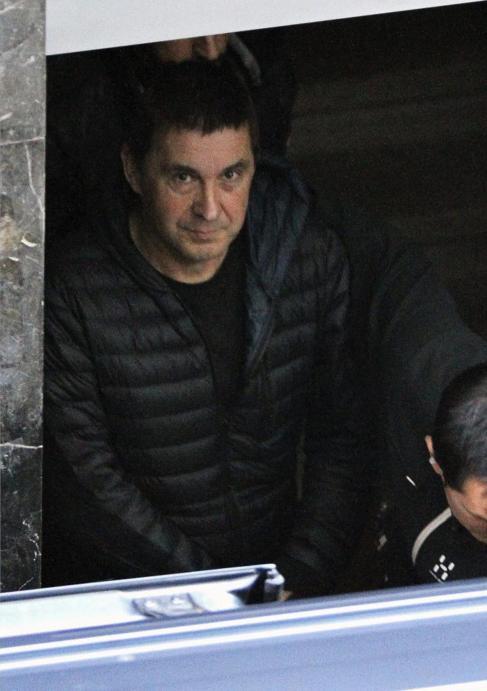 El ex portavoz de Batasuna Arnaldo Otegi, durante un permiso...