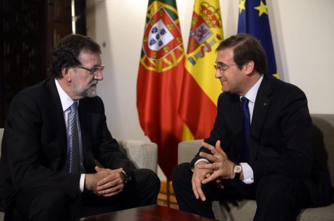 Mariano Rajoy y Pedro Passos Coelho durante su encuentro en el parador...