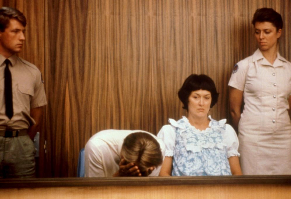 También trabajó en 'Bajo sospecha' (1982); 'Enamorarse' (1984) o en...
