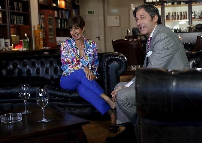 Los periodistas María José Sáez y Jesús Álvarez, en el primer...