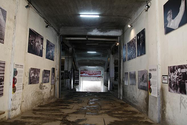 La 'escotilla número 8', pasillo en el interior del Estadio...
