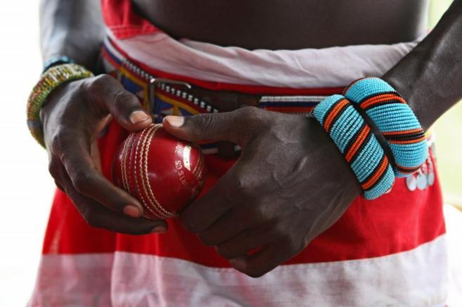 El equipo de cricket de Maasai Guerreros usa el deporte para...