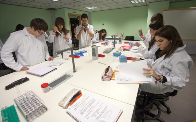 La practica en Medicina de la CEU-UCH de Castellón es fundamental...