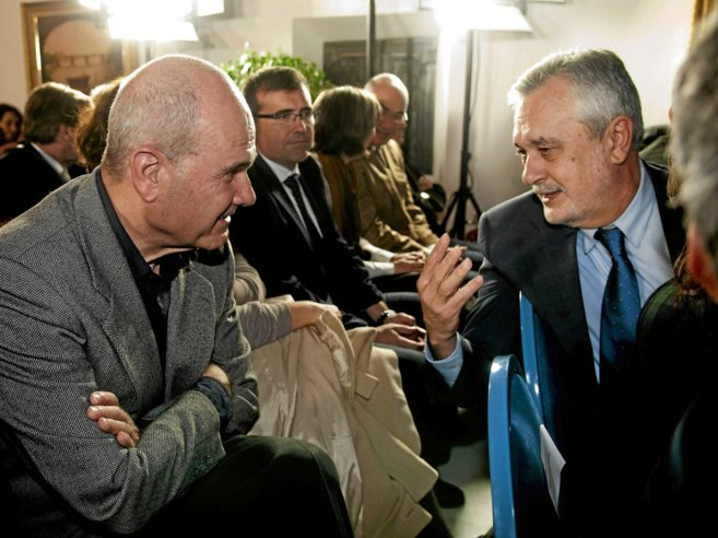 Los ex presidentes de la Junta Manuel Chaves y José Antonio Griñán,...