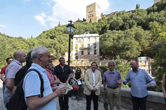 Concentración de apoyo a María del Mar Villafranca a los pies de la...
