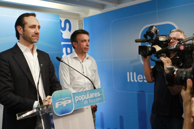 El aún líder 'popular' de las Islas durante la reunión de...