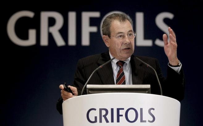 El presidente de la multinacional española Grifols, Víctor Grifols,...