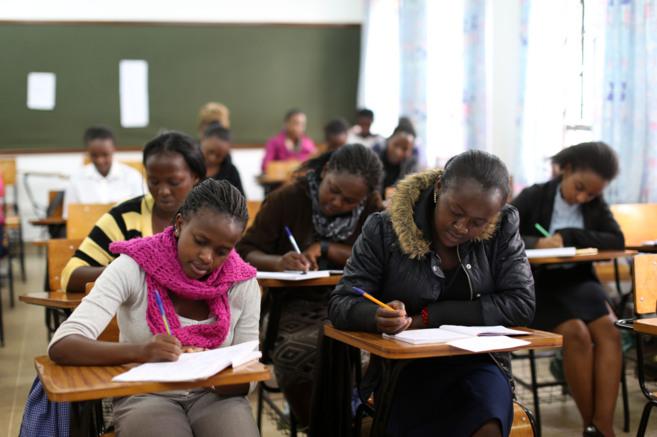 Un grupo de mujeres en una escuela de formación en Kimlea (Kenia)
