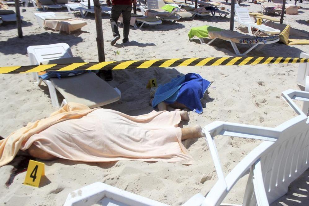 Dos víctimas del ataque terrorista en uno de los hoteles de Susa,...