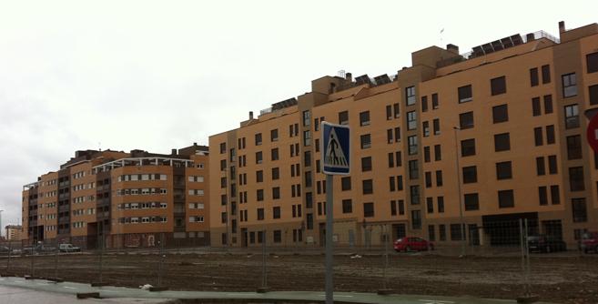 Varios bloques de edificios nuevos situados en Rivas Vaciamadrid.