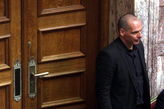El ministro de Finanzas griego, Yanis Varufakis, en el Parlamento...