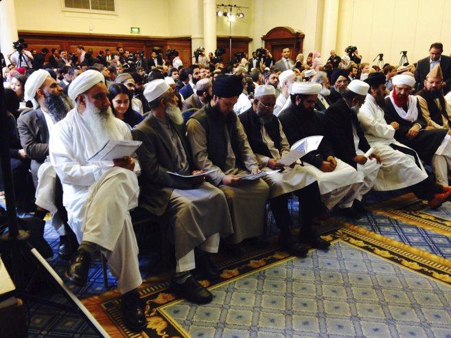 Líderes islámicos, en el Methodist Central Hall de Londres.