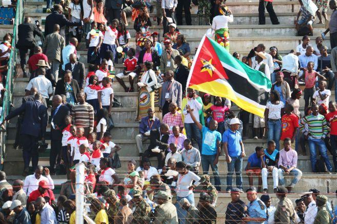 Mozambiqueños celebran el 40 aniversario de la independencia de...