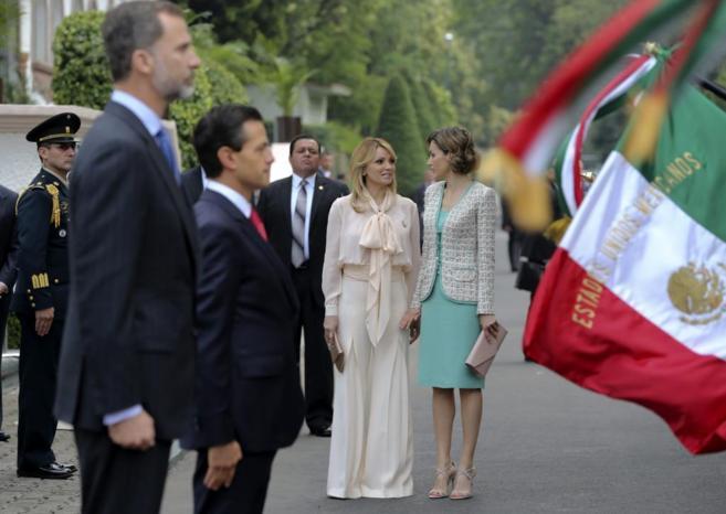 Los Reyes durante la bienvenida oficial del presidente, Enrique Peña...