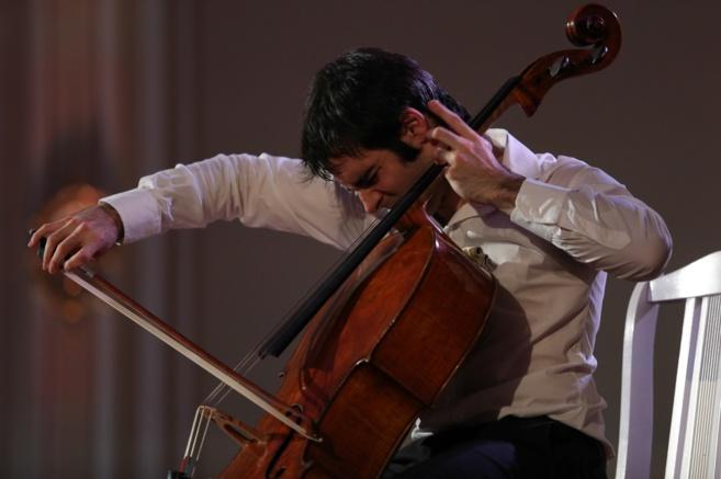Pablo Ferrández durante un momento de su actuación