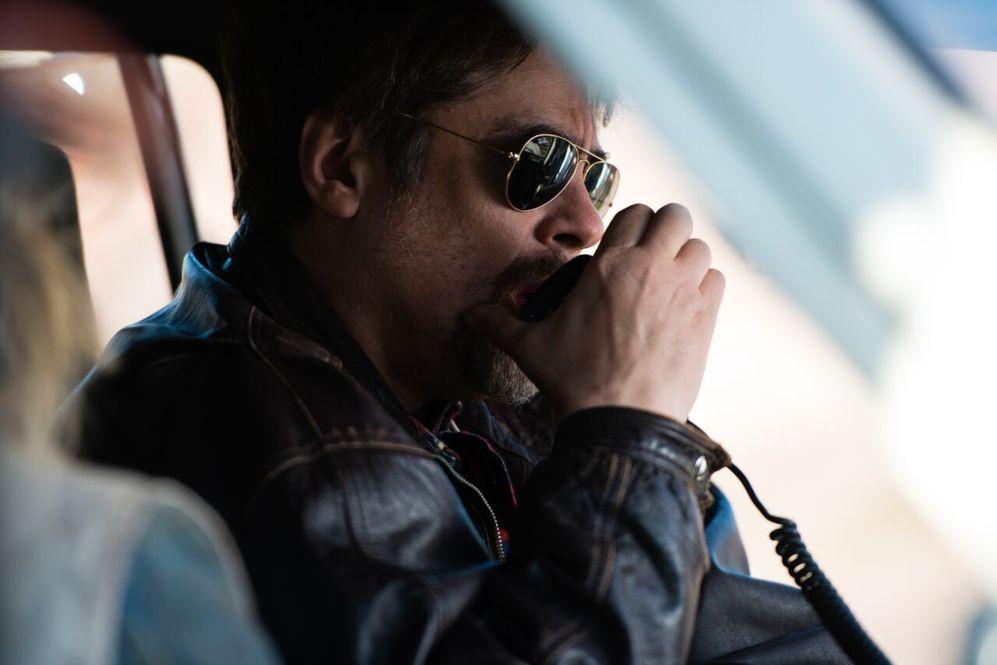 Benicio del Toro en una secuencia de 'Un día perfecto'.