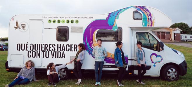 Los seis viajeros de la caravana e impulsores de la iniciativa.