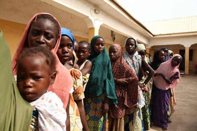Algunas de las niñas que han sido rescatadas en mayo tras su...