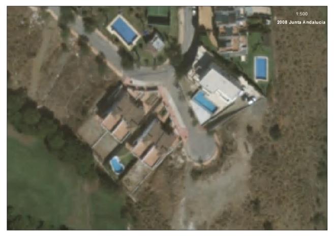 Fotografía aérea de la piscina del domicilio de Francisco Conejo de...